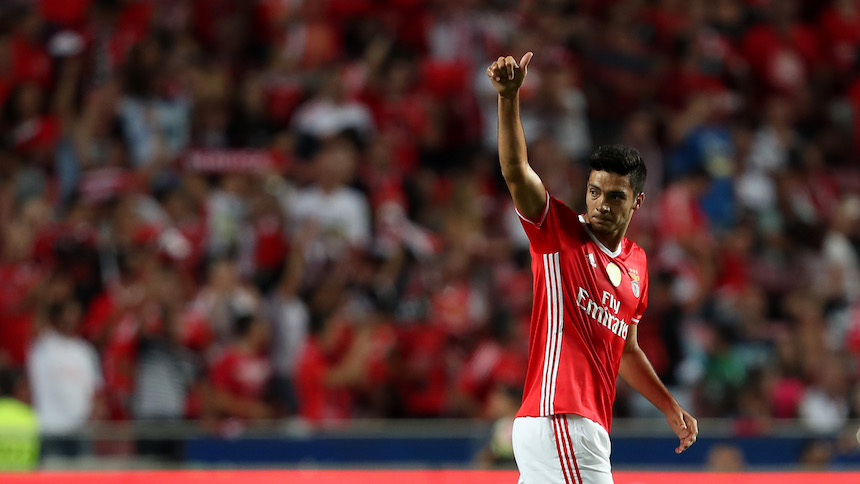Gol de Raúl Jiménez en el triunfo del Benfica