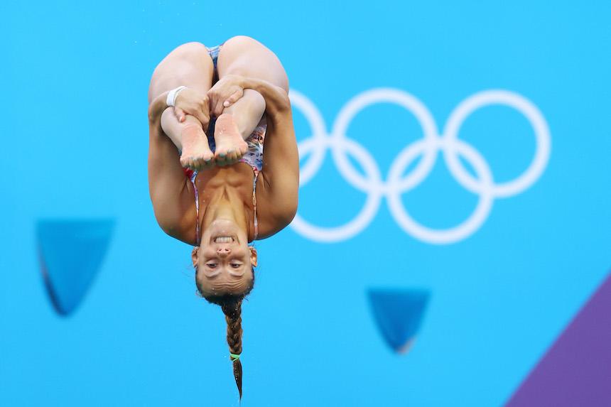 Tania Cagnotto realiza un clavado durante los juegos olímpicos