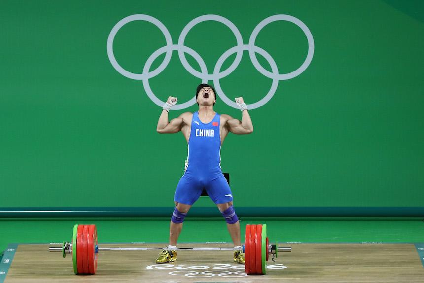 Xiaojun Lyu rompe un récord durante su prueba en la categoría de los 77 kilogramos