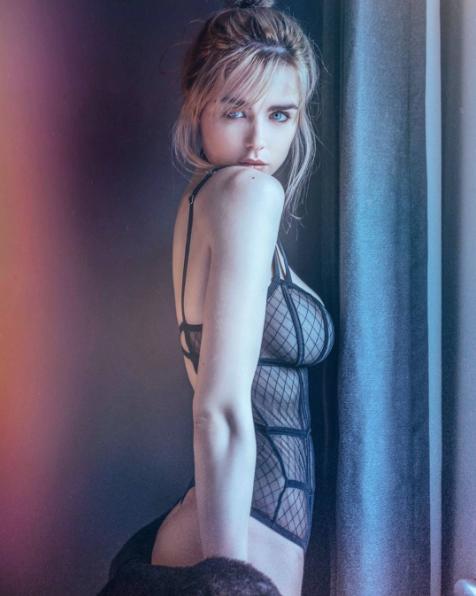 Danielle-Sharp8