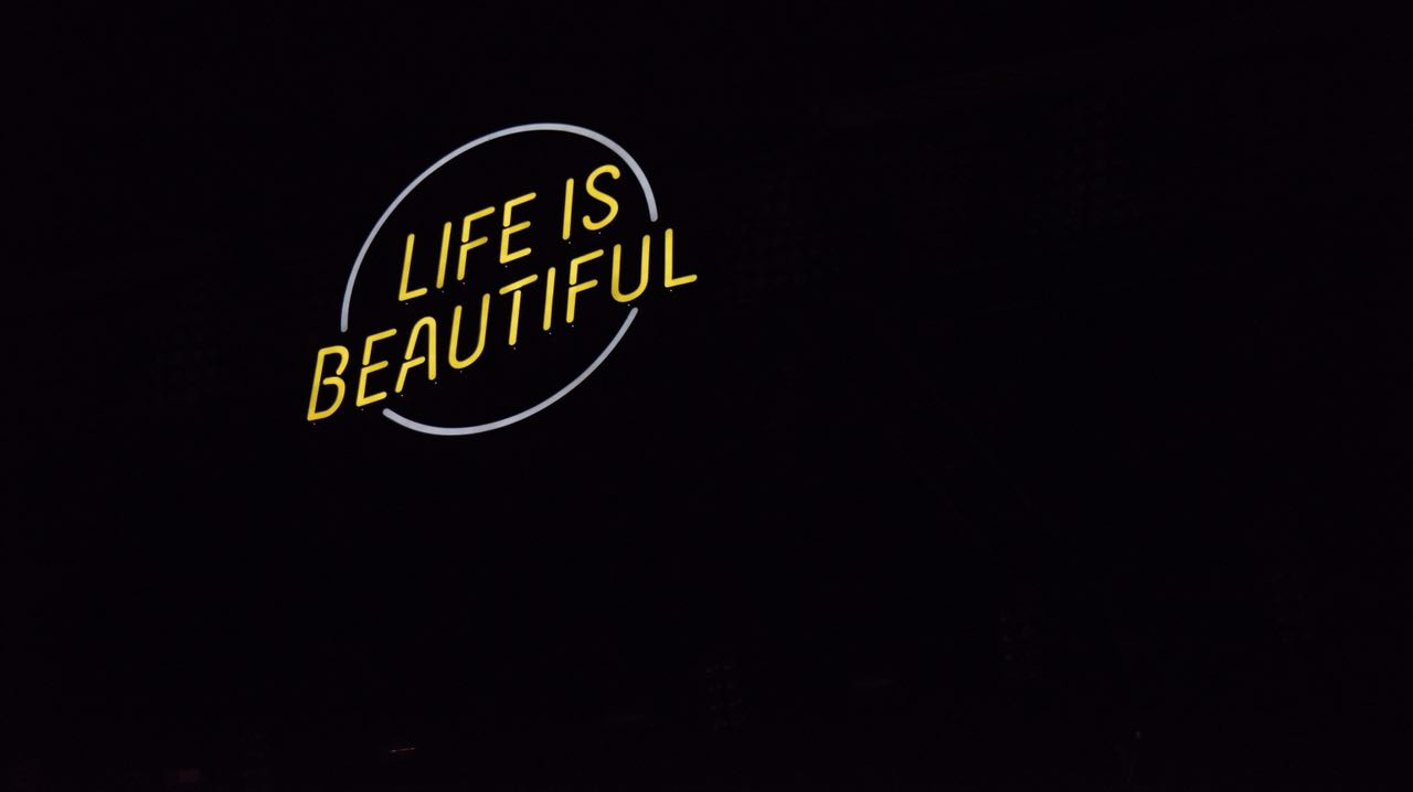 life-is-beautiful-2016-3