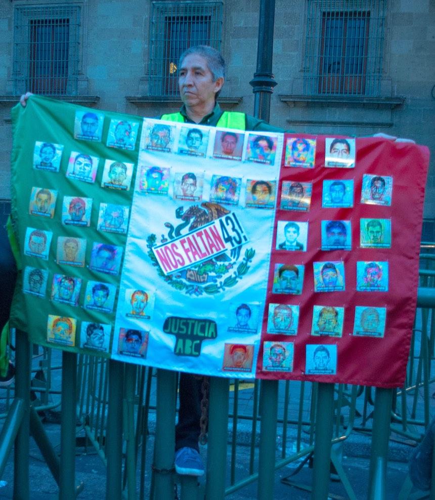 marcha-ayotzinapa-2-anos-sopitas14