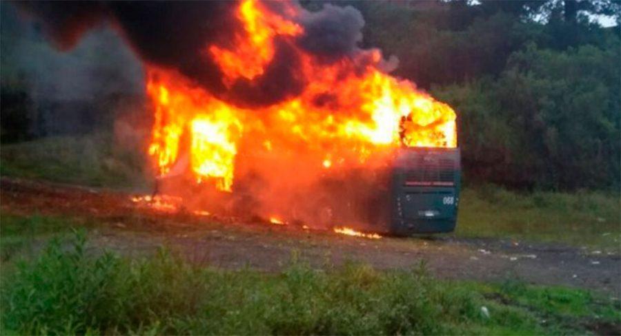 autobus-quema-normalistas-michoacan