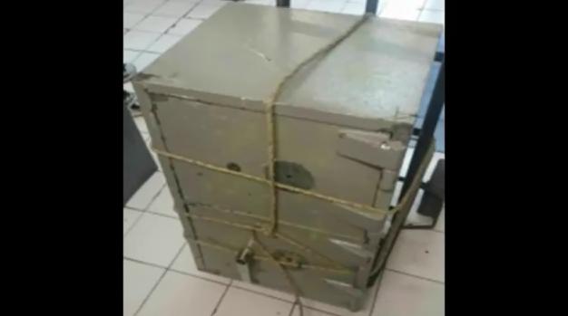 A los probables responsables de robo les encontraron una caja fuerte en sus pertenencias