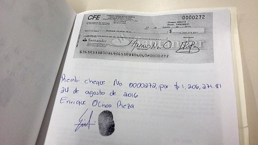 Cheque de Ochoa Reza