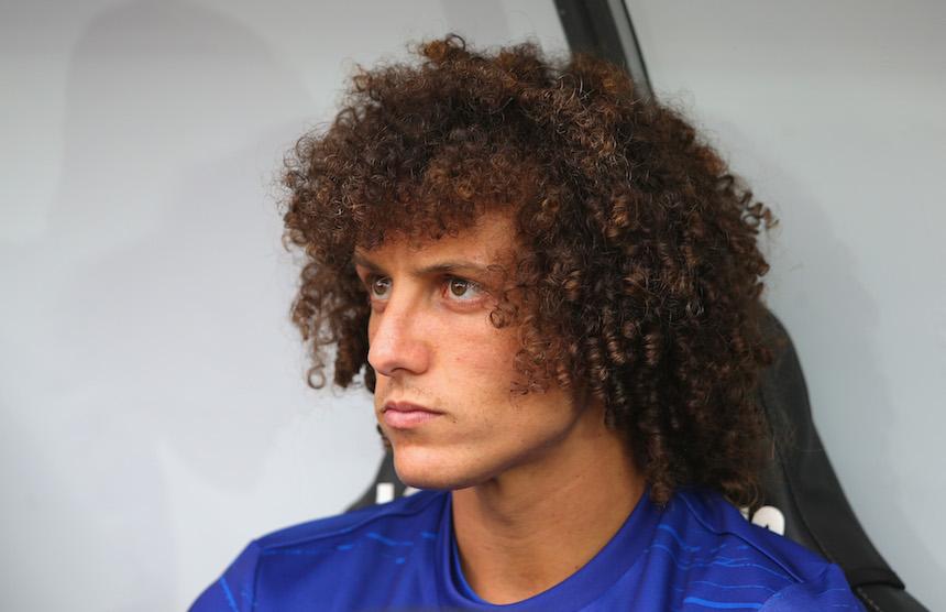 David Luiz espera su oportunidad para poder debutar