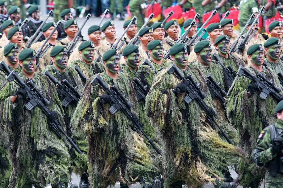 desfile-militar-16-septiembre-camuflage