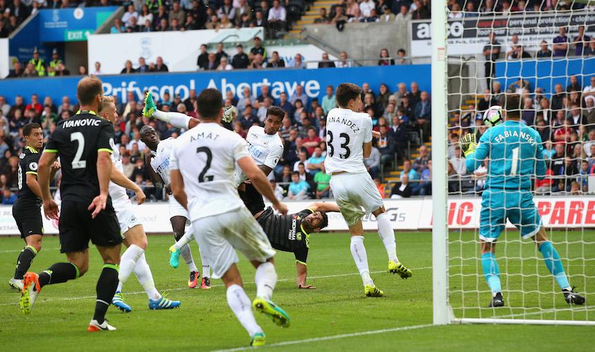 Diego Costa se colocó como el líder de goleo
