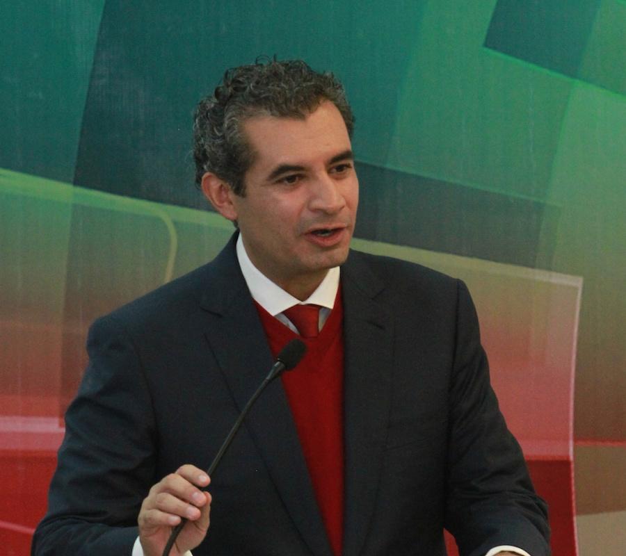 Enrique Ochoa Reza, dirigente nacional del PRI, señala que su partido está dispuesto a colaborar en la investigación contra Javier Duarte, gobernador de Veracruz