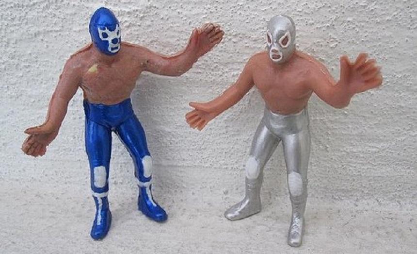 Muñecos de Blue Demon y El Santo