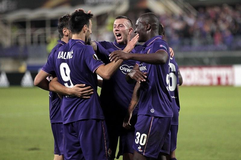 Fiorentina en Europa League festejando