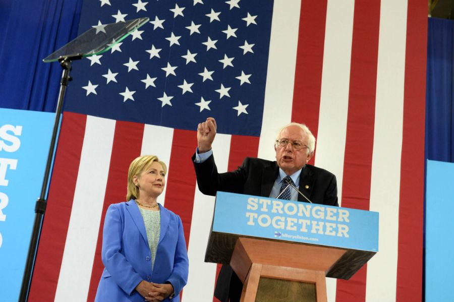 Bernie Sanders declinó en favor de Clinton antes de la convención demócrata