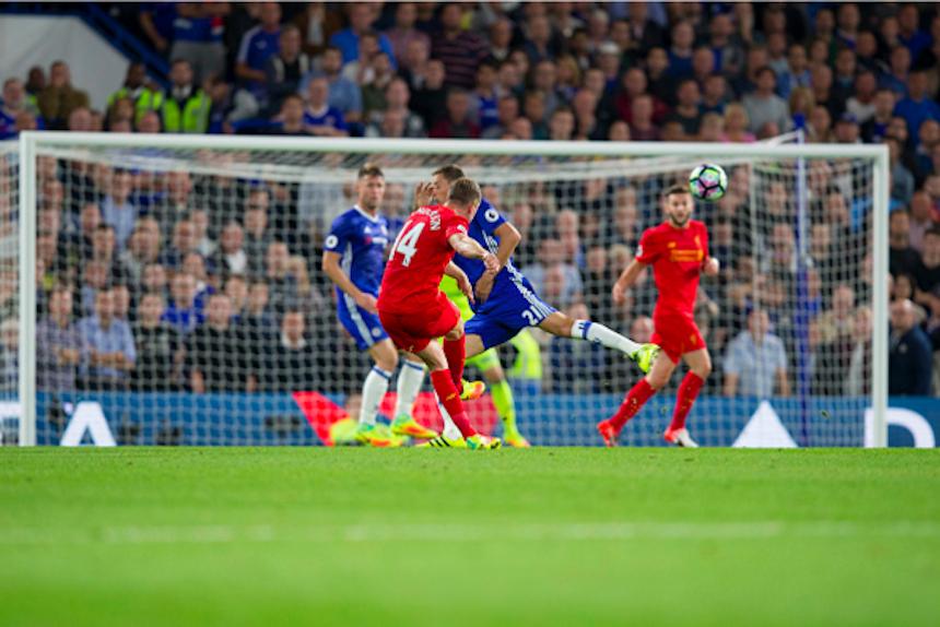Jordan Henderson con su gol ante Chelsea