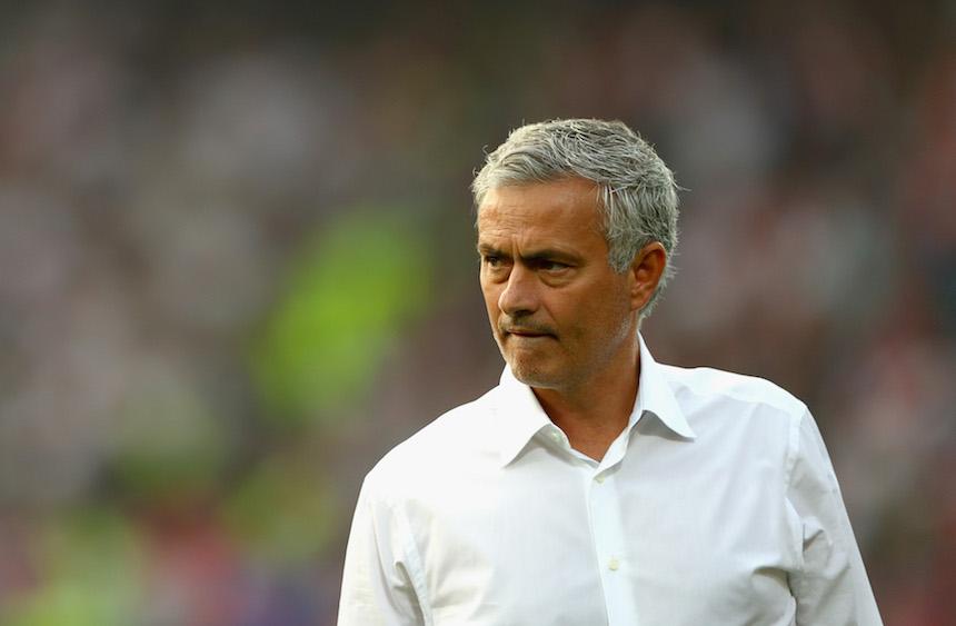 José Mourinho ya comenzó a repartir culpas y el primero fue Luke Shaw