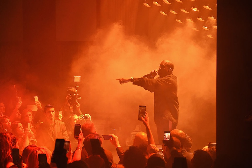 Kanye West aparece sorpresivamente en el show de Chance the Rapper en Chicago