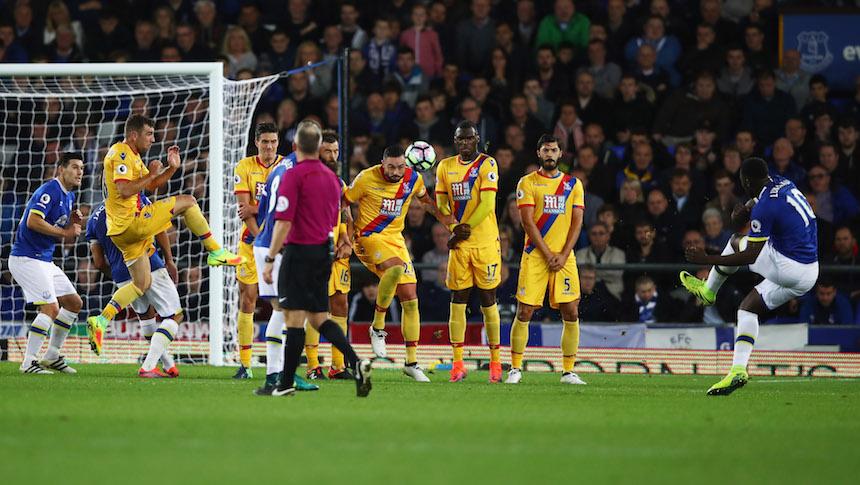 Lukaku marcó su primer gol de tiro libre