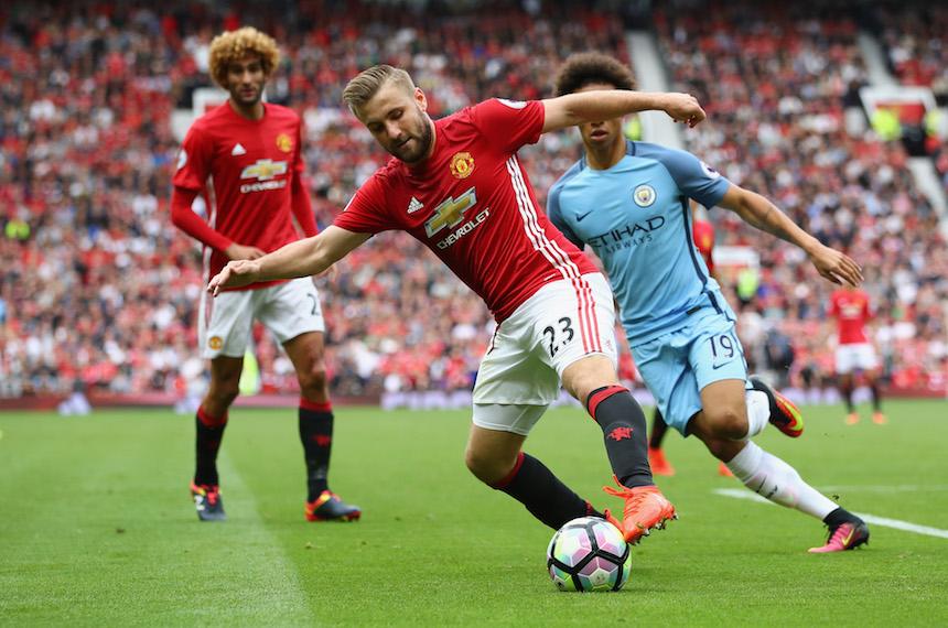 Luke Shaw no ha tenido una buena temporada y Mourinho ya se lo hizo saber a la prensa