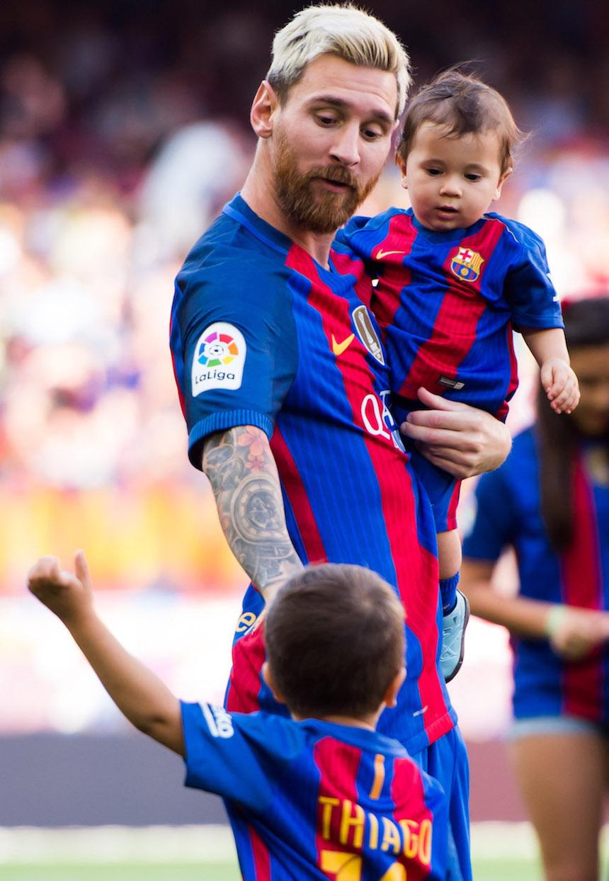 Messi ya metió a su entrenar con la escuela del Barcelona