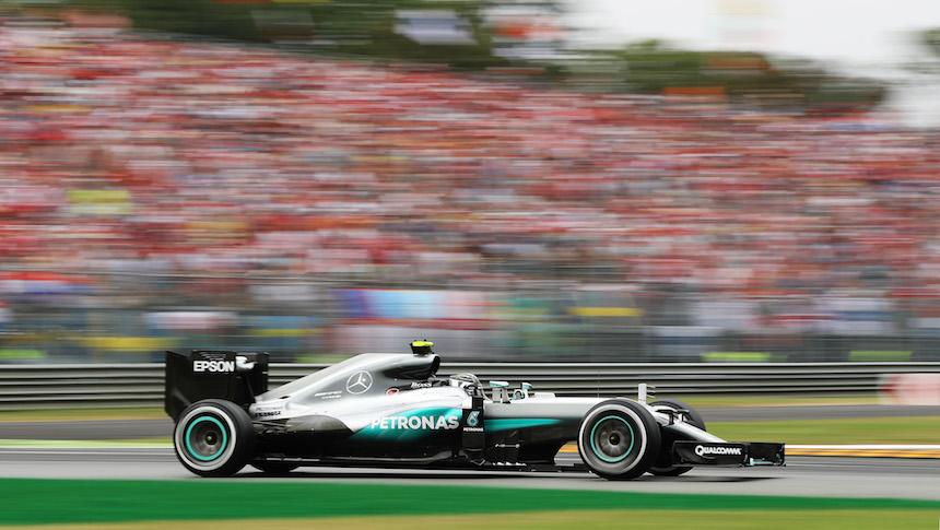 Nico Rosberg se llevó el triunfo en Italia y se puso a dos puntos de Hamilton