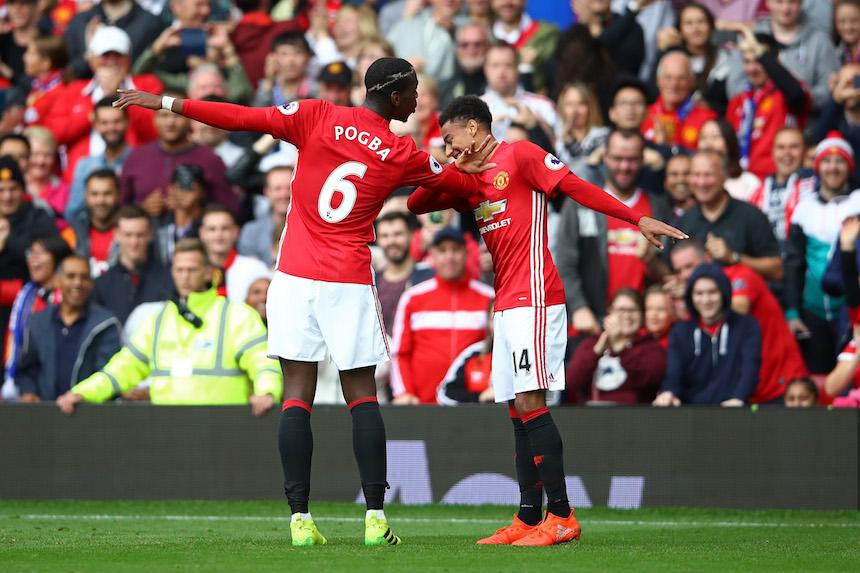Paul Pogba se estrena con el Manchester United en la goleada contra el Leicester City