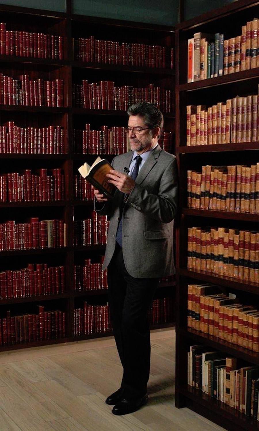 Amenazan de muerte al escritor Rafael Pérez Gay