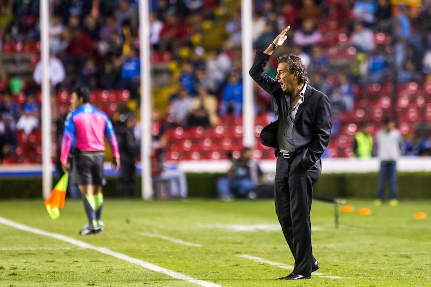 Rubén Omar Romano cuando dirigía en Tijuana