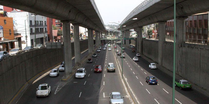 Transporte público en el segundo piso del Periférico