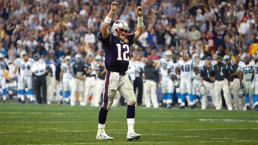 Tom Brady inició su primer juego como titular hace 15 años