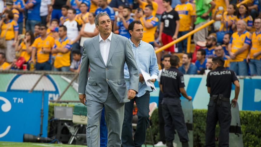 Tomás Boy deja de ser el entrenador de Cruz Azul