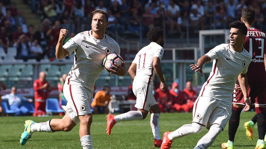 La leyenda de Totti continúa, llega a los 250 goles en la Serie A