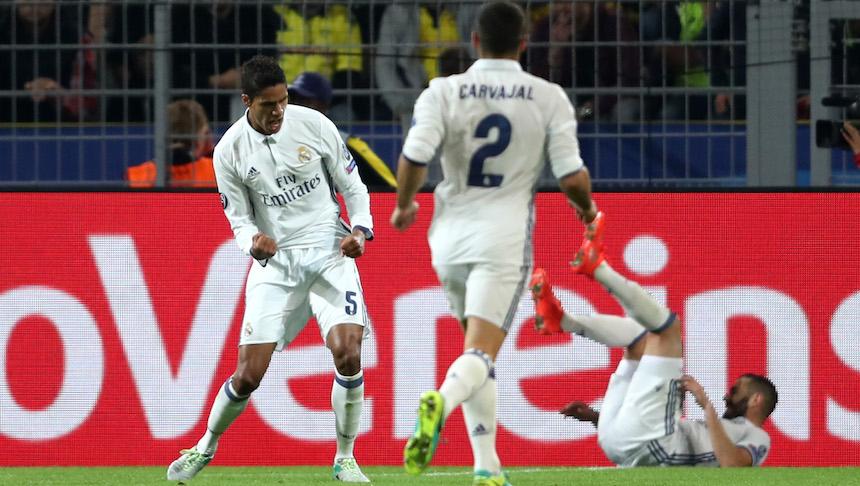 Varane celebra que le daba la victoria momentanea a su club
