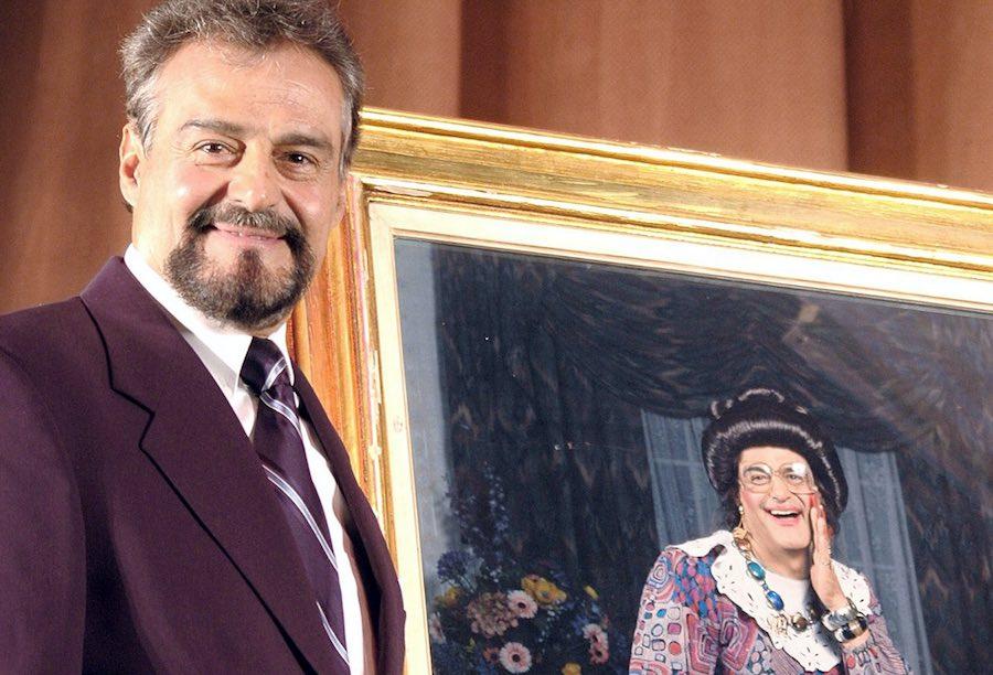 Gonzalo Vega - La Señora Presidenta.