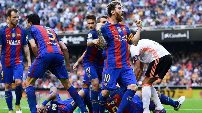 Messi le da los tres puntos al Barça con gol en el último minuto