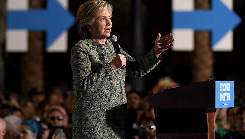 Hillary Clinton mantiene una mínima ventaja sobre Donald Trump
