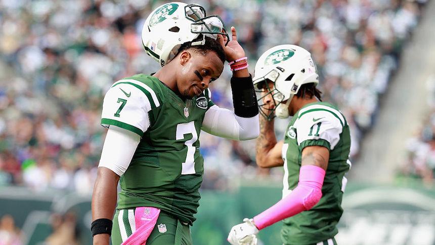 Geno Smith, QB de los Jets, estará fuera el resto de la temporada