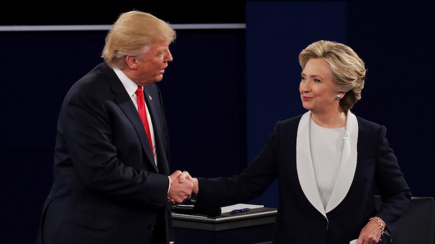 Hillary Clinton y Donald Trump durante un debate