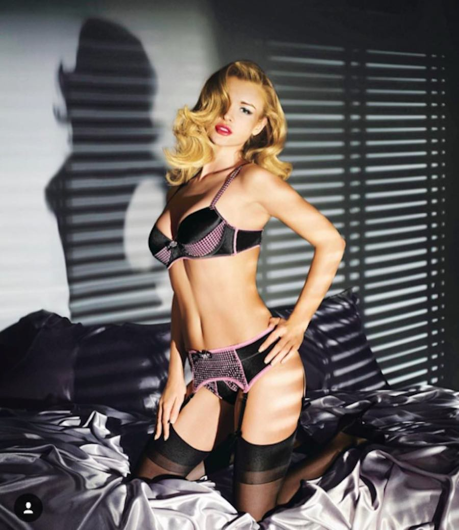 Lencería sensual de Joanna Krupa