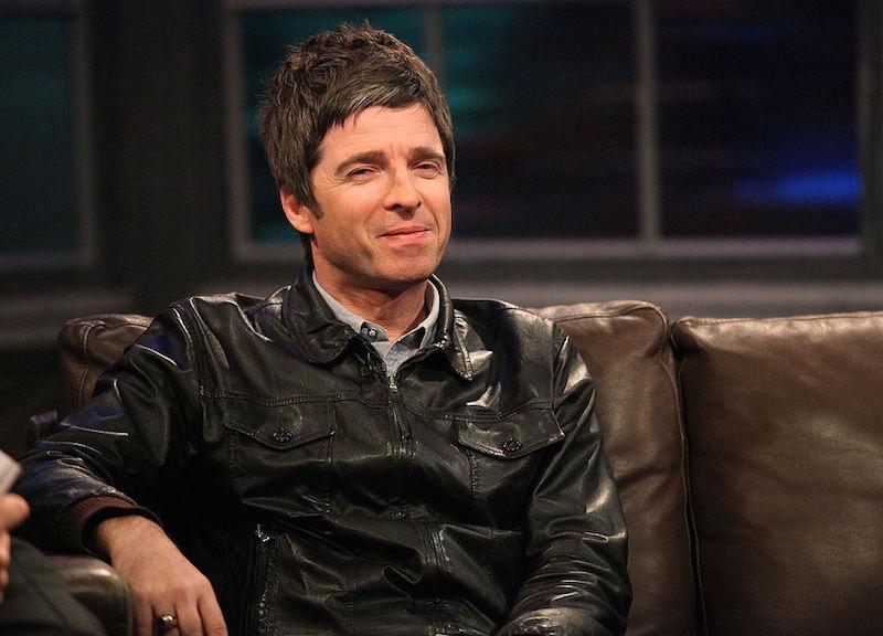 ¡Noel Gallagher necesita encontrar su teléfono para que no vean su porno!