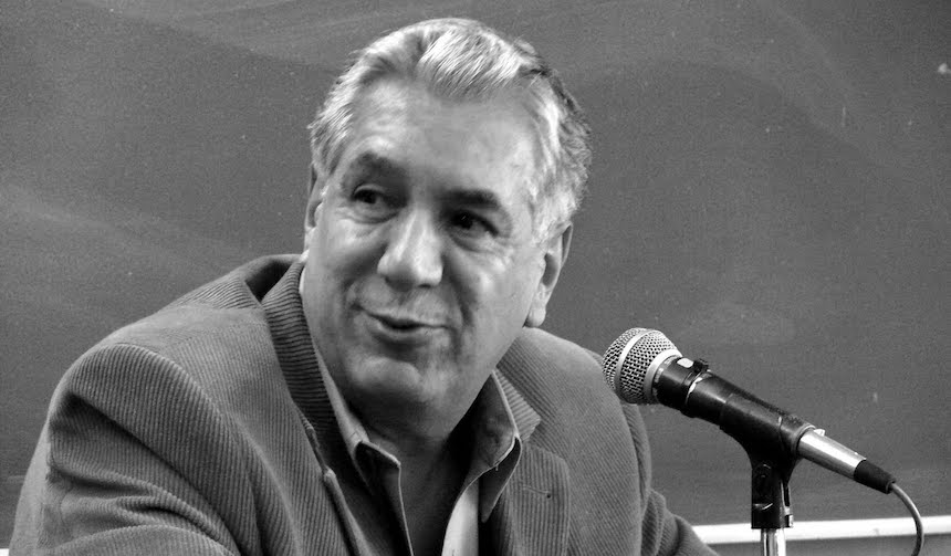 René Avilés Fabila
