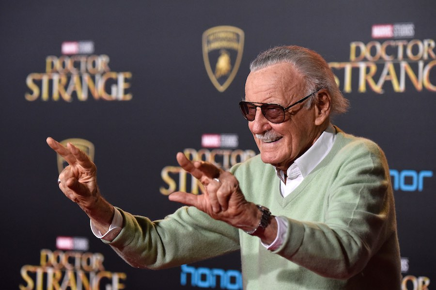 Stan Lee en la Alfombra Roja de Doctor Strange
