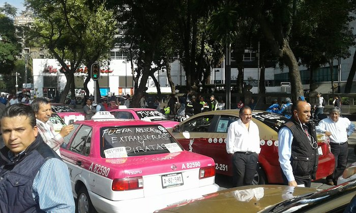 taxistas-marcha-vs-uber-2