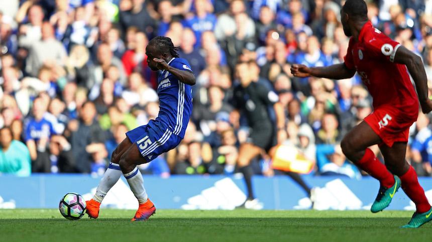 Victor Moses dio un juegazo y marcó el tercer gol de la tarde