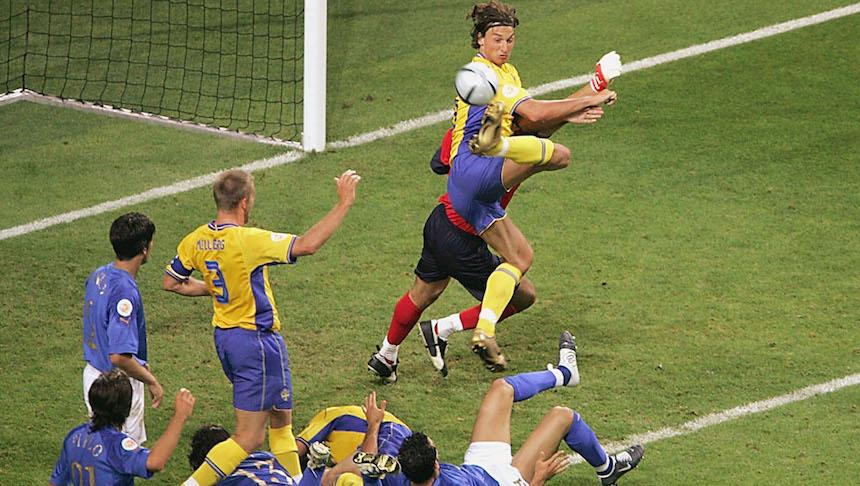 Durante la Euro 2004 marcó uno de los goles más bellos del torneo