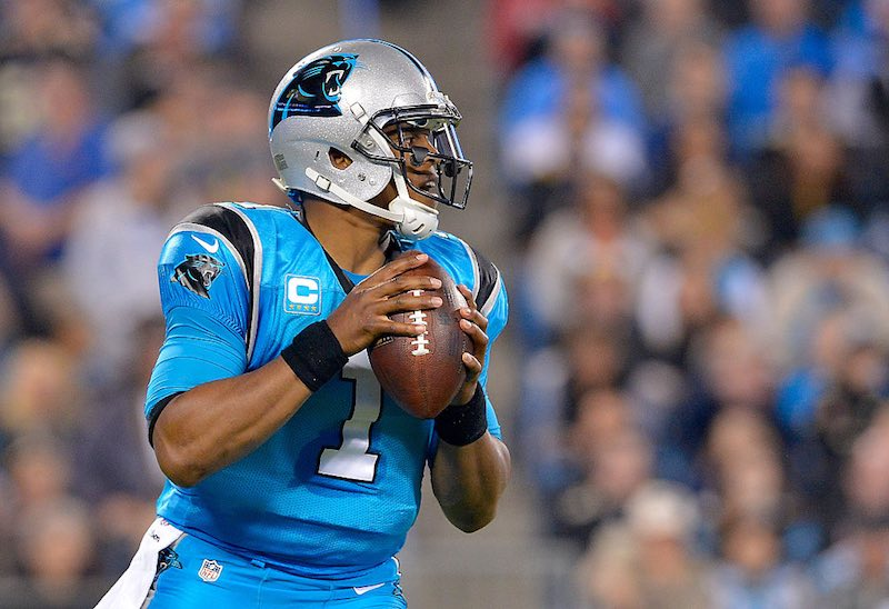 Cam Newton tiene una buena actuación con Panthers en el Thursday Night Football