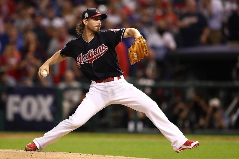 Cleveland Indians Josh Tomlin lanza