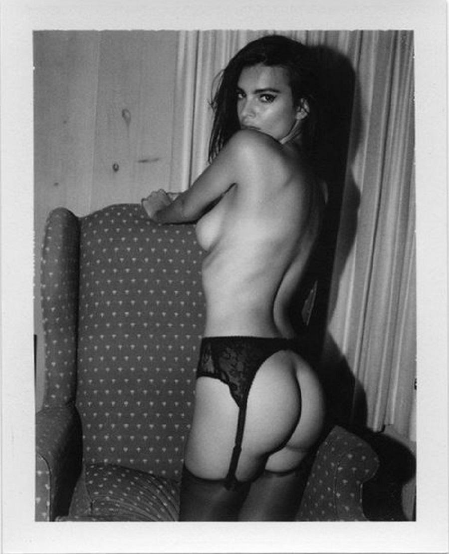 Desnudo de Emily Ratajkowski