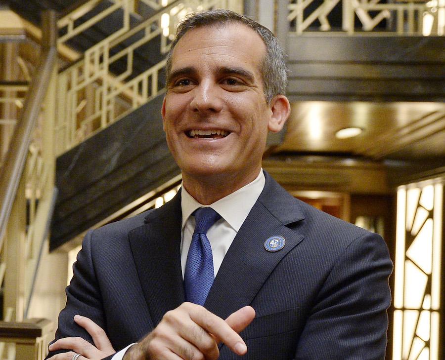 El alcalde de Los Ángeles, Eric Garcetti, aseguró que no sacarán estudiantes indocumentados de las escuelas de su ciudad