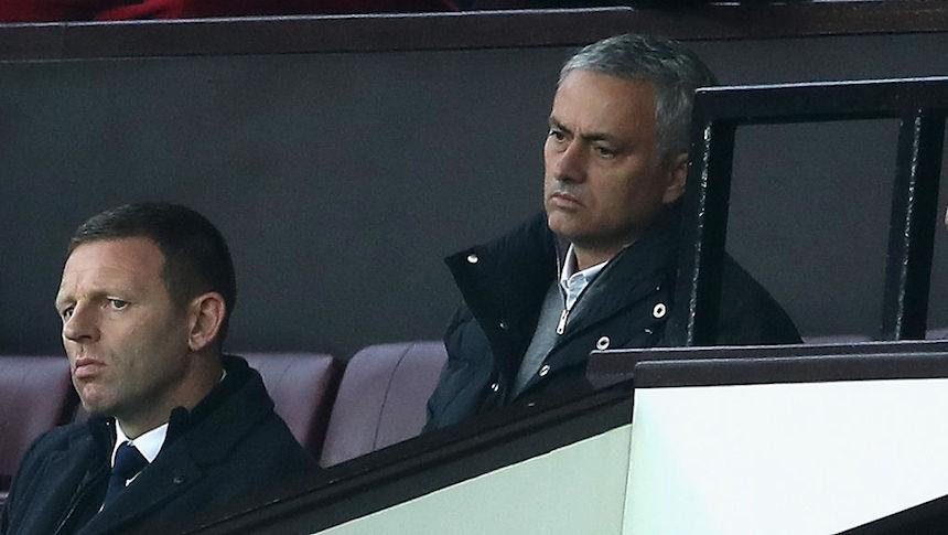 Le sigue cayendo: José Mourinho se perderá un partido por multa de la FA