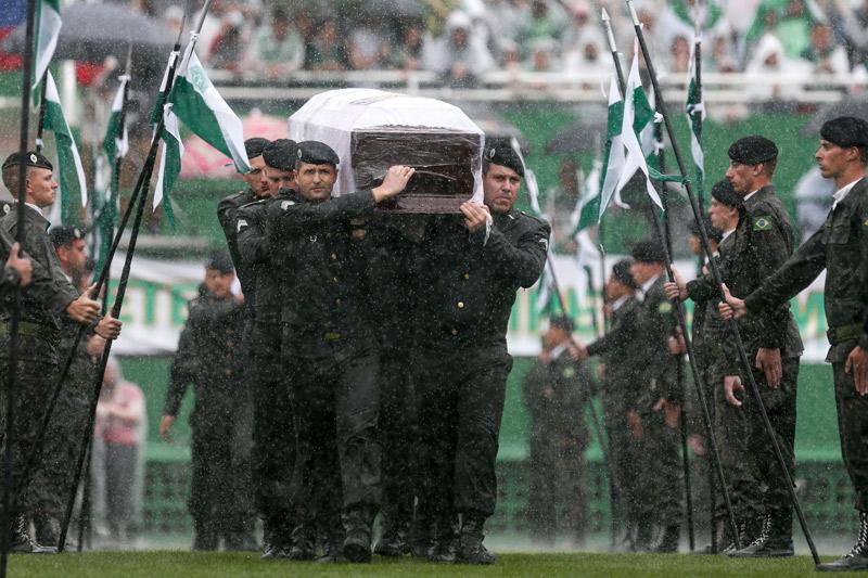 El último adiós: Miles de personas despiden a los jugadores del Chapecoense