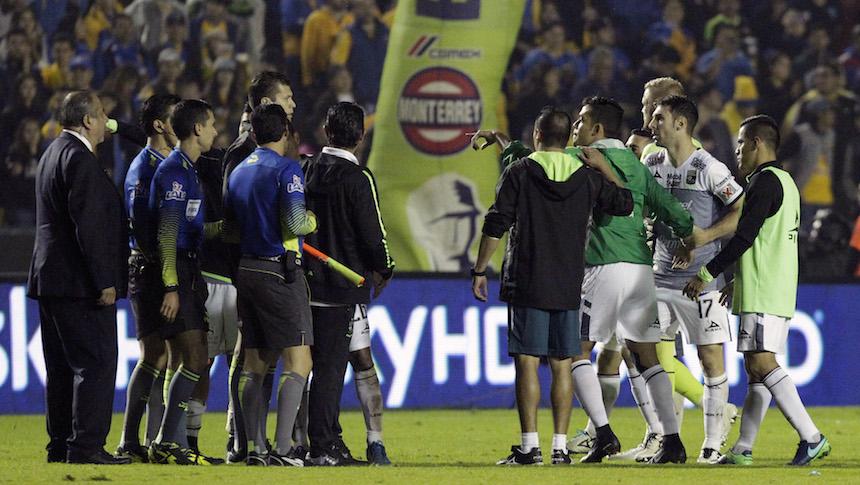 El arbitraje en futbol mundial necesita ayuda ¡pero YA!